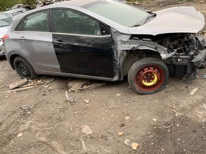 2013 2014 2015 2016 Hyundai Elentra GT For PARTS Only for Sale in Detroit, MI