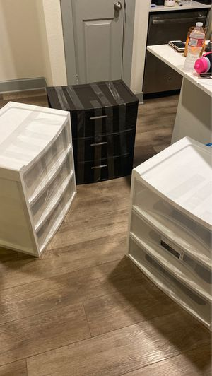 Rubbermaid plastic drawers for Sale in Dallas, TX