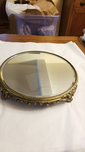 Antique Mirrored Plateau Gold Color Base for Sale in Shelton, WA