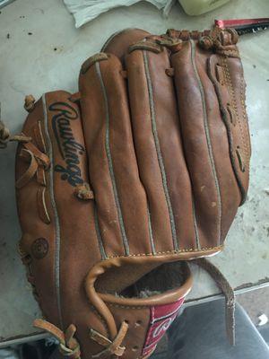 Baseball gloves for Sale in Tampa, FL