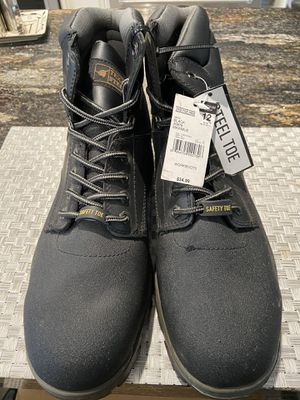 New step toe boots. for Sale in Riverside, CA