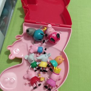 Peppa Pig Carrying Case With Some Characters In It for Sale in Cape Coral, FL