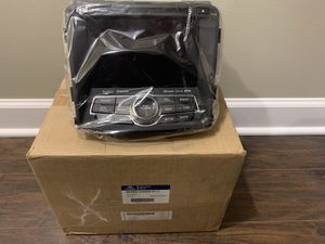 Hyundai Sonata A/V head unit with Navigation for Sale in Lake in the Hills, IL