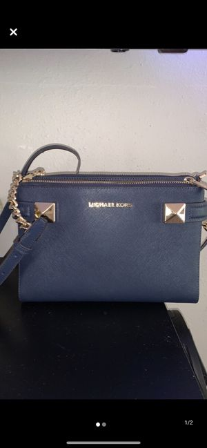 Mk crossbody for Sale in Sioux Falls, SD