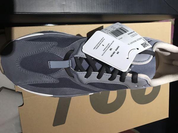 Adidas YEEZY boost 700 magnet brand new with receipt sz.11