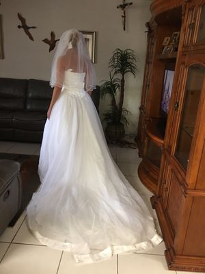 Wedding dress set all new no shoes for Sale in Miami, FL