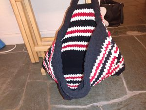 Handmade crochet bags, hats, purses, and bowls. for Sale in West Richland, WA