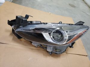 MAZDA 3 LEFT HEADLIGHT 2014-2017 P/N 20-9538-01 AFTERMARKET (MAZDA 3 PARTS for Sale in Hialeah, FL