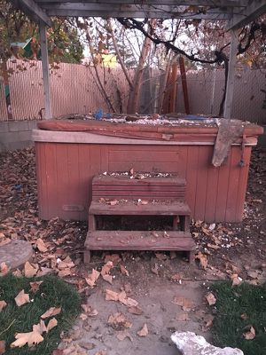 Free hot tub for Sale in Livingston, CA