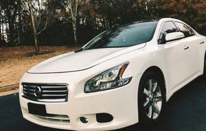 Urgent for sale.. 2011 Nissan Maxima SV , 3.5L V6 FWDWheelss for Sale in Madison, WI