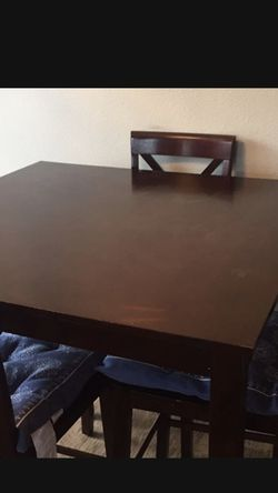 Table And 4 Chairs Set for Sale in Everett,  WA