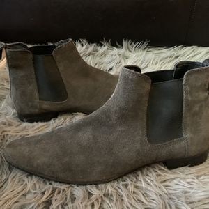 Men's Suede Chelsea boots for Sale in Everett, WA