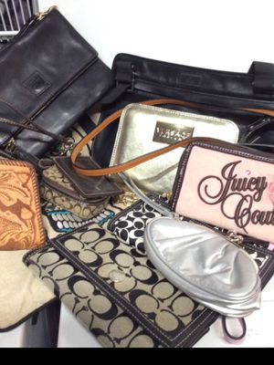 Purses and wallet for Sale in Tualatin, OR