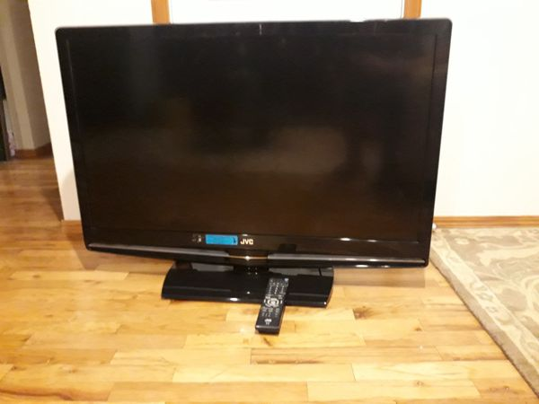 """VERY NICE BIG TV 42"""" JVC brand WITH REMOTE CONTROL FOR SALE"""