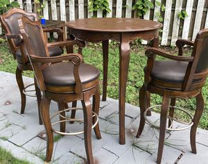 Table plus 3 chairs for sale !!! for Sale in Miami, FL