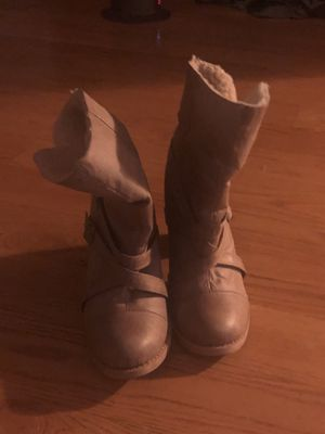 Chinese laundry woman's boots size 10 used 8/10 condition retails 80 plus tax 50 firm (northridge) for Sale in Los Angeles, CA