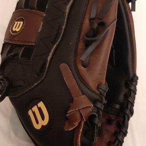 Elite Softball Glove for Sale in Anaheim, CA
