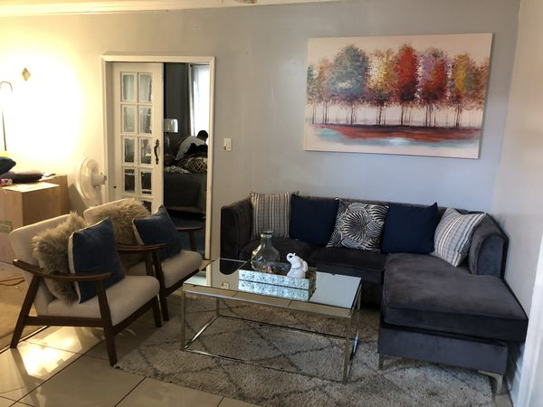 Living room set for $750 with everything on the picture.
