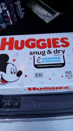 Huggies diapers size 3 and wiprs for Sale in Stuart, FL