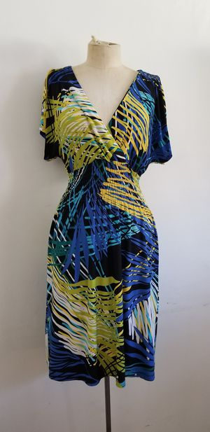 Blue yellow and green summer dress size m for Sale in Upland, CA