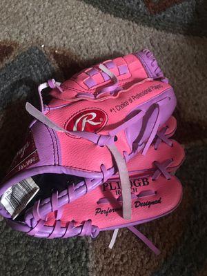 Young girls baseball softball glove for Sale in Mesa, AZ