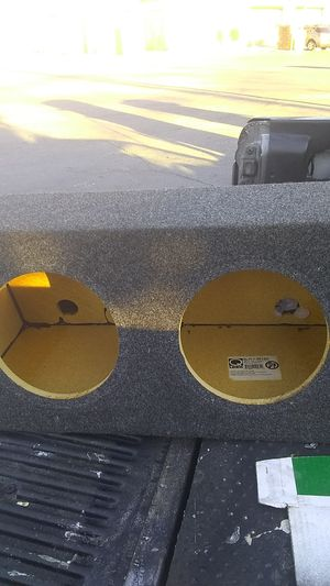 """Q logic 2 10"""" subwoofer box for Sale in Columbus, OH"""
