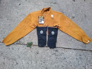 WELDING CAPE SLEEVE WITH GLOVES for Sale in Detroit, MI
