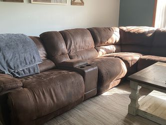 Brown Sectional Couch for Sale in Lake Mary,  FL