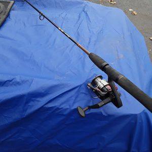 Shakesphere Ugly Stick W/matzuo Reel for Sale in Branford, CT