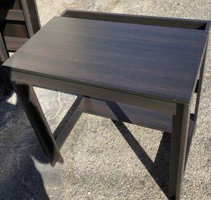Free desk for Sale in Pico Rivera, CA