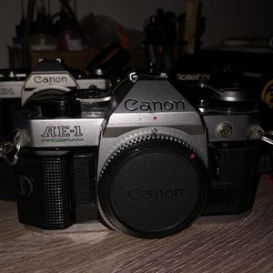 Canon ae-1 program 35mm film camera for Sale in Lancaster, CA