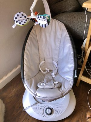 4moms Mamaroo Baby Swing for Sale in San Diego, CA
