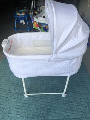 Baby bassinet glider with music & rocker /Baby car seat /Baby swing-bouncer Combo-Baby activity jumper/Baby walker/Baby Bath tub for Sale in Houston, TX