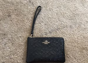 Authentic coach wristlet for Sale in Hyattsville, MD