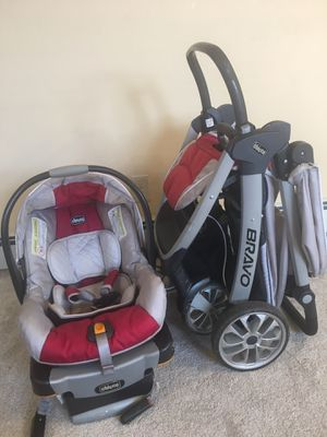 Very clean stroller and car seat and base for Sale in Carlstadt, NJ