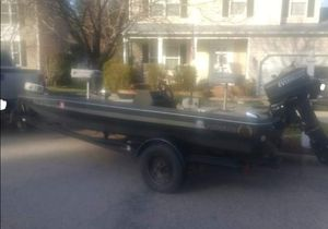 1992 Aquatron Marine 14 Ft. Bass Boat for Sale in Raleigh, NC
