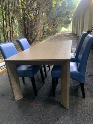 DINING ROOM TABLE WITH CHAIRS for Sale in Snellville, GA