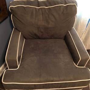 Nursery glider swivel chair and ottoman for Sale in Winter Garden, FL