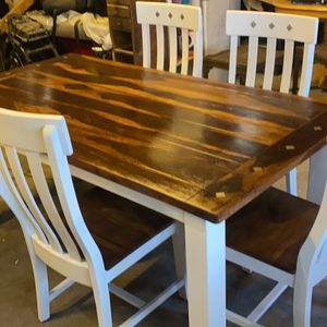 Kitchen Table And Chairs for Sale in Wheat Ridge, CO
