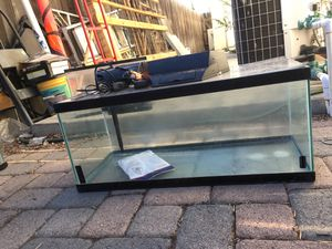 20 gallon glass fish tank for Sale in Westminster, CA