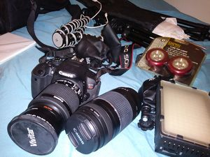 Canon T5i Rebel W/ Accessories for Sale in Columbus, OH