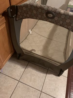 Graco play pen for Sale in Columbia, MD