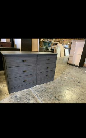 6 drawer dresser for Sale in Los Angeles, CA