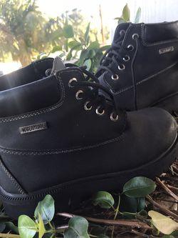 Smartfit Boys Black Waterproof Boots Size 3.1/2 for Sale in Newport Beach,  CA
