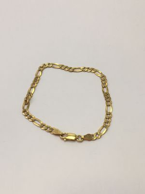 8 inch 925 Italian Sterling Silver Figaro bracelet plated with 24k gold for Sale in West Covina, CA