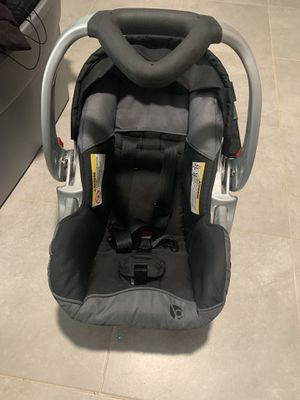 Car seat with base for Sale in Capitol Heights, MD