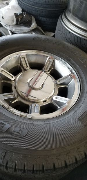 Hummer H2 original wheels 315/70/17 tires for Sale in Las Vegas, NV