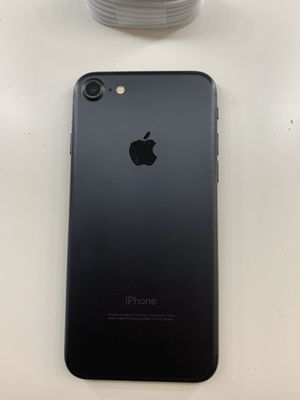 FIRM PRICE!! IPHONE 7 32gb (THIS IS NOT THE PLUS) FACTORY UNLOCKED/ FREE TEMPERED GLASS - 5 ⭐️ SELLER for Sale in Miramar, FL