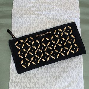 Michael Kors Wallet Purse (Brand New) for Sale in Martinsburg, WV