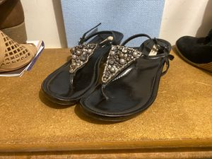 "Vera Wang ""Simply Vera"" black jeweled sandals for Sale in Shawnee, KS"